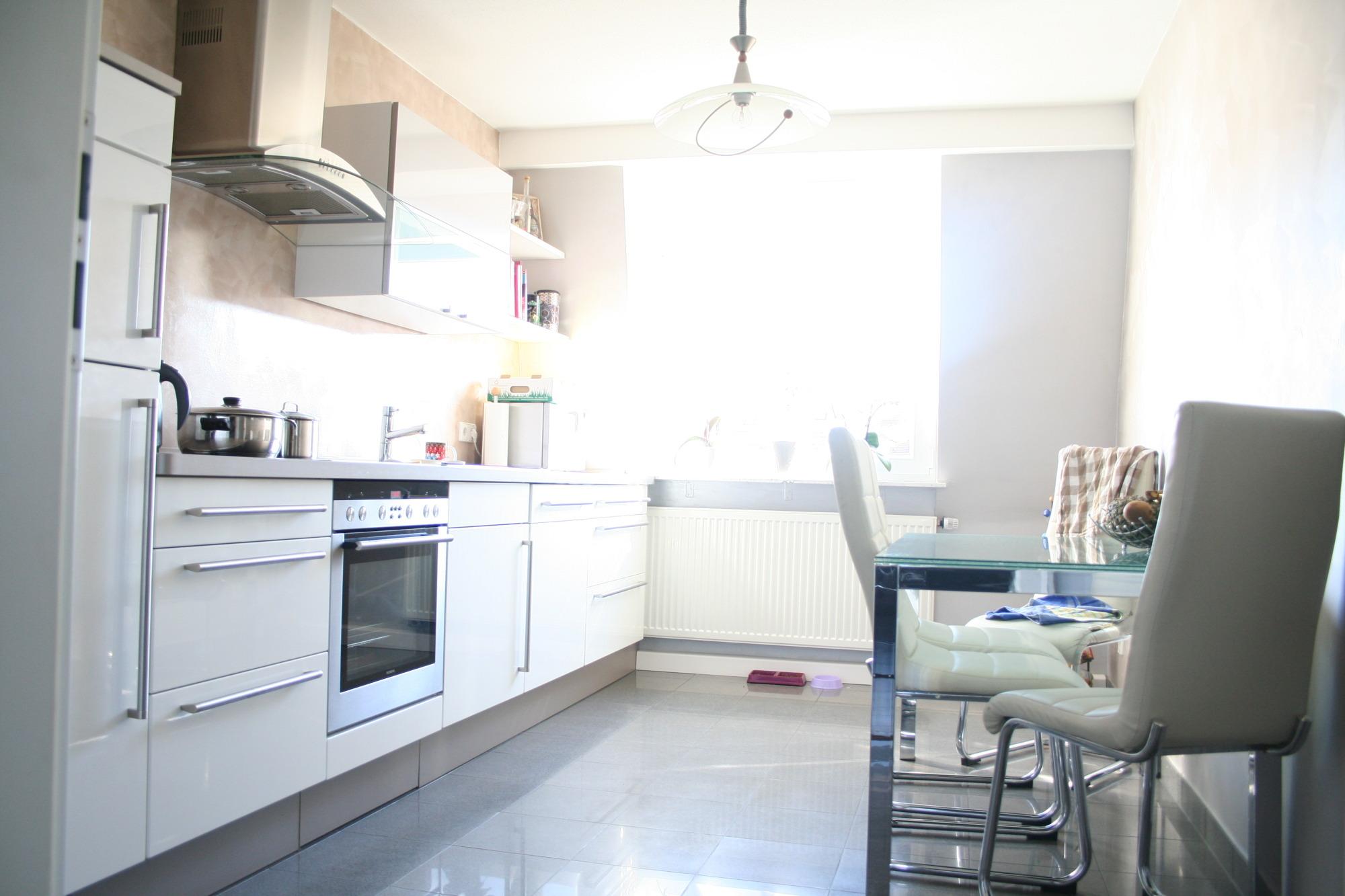 ungew hnlich 6 qm k che einrichten fotos die designideen. Black Bedroom Furniture Sets. Home Design Ideas